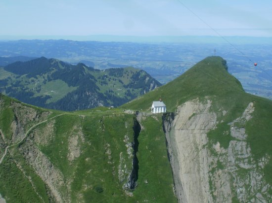 Mount Pilatus: View of Klimsenhorn Kapelle from CableCar