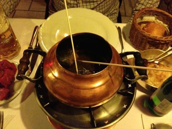 Stockhorn Grill: oil fondue