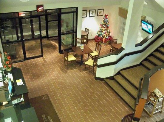Sleep Inn: Lobby area.