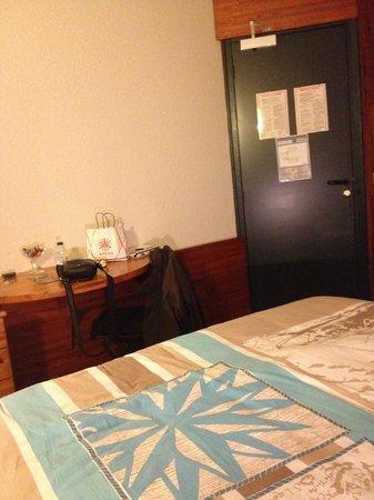 Le Dauphin Blanc : Chambre