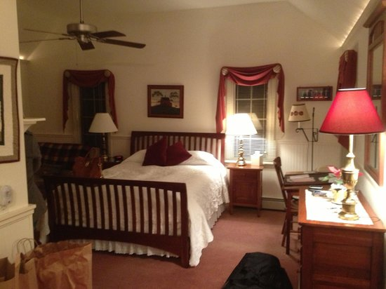Wooden Duck B&B: The Golden Eye Suite