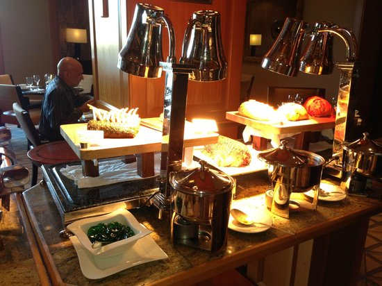 The Logan Philadelphia, Curio Collection by Hilton: Brunch Delish!