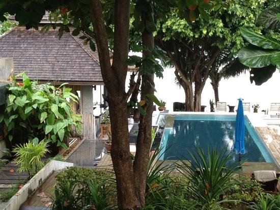 Samui Honey Cottage Beach Resort: view from our room after rain