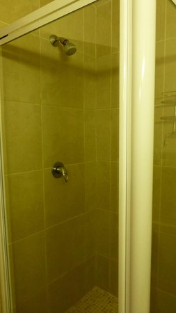 Panoramic Blue B&B: wall fixed shower - no escaping from it!