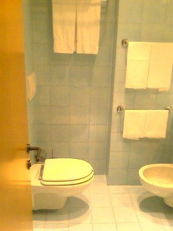 Hotel Spadari al Duomo: Bathroom - stylish