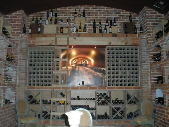 Secrets Silversands Riviera Cancun: Secluded Wine Cellar