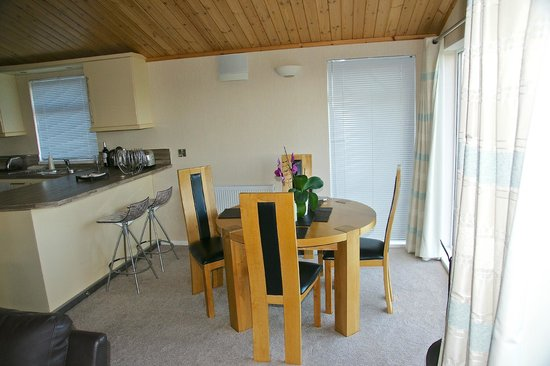 Kessock Highland Lodges: Kitchen/dining area Beauly Lodge