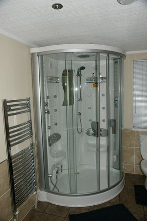 Kessock Highland Lodges: Steam shower