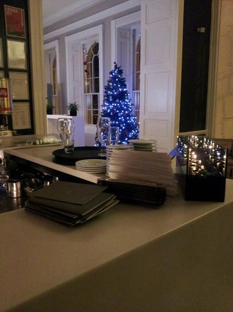 Apex Waterloo Place Hotel: Christmas decorations/view from the bar