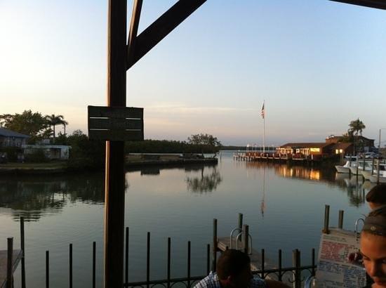 Little Bar Restaurant: little bar patio