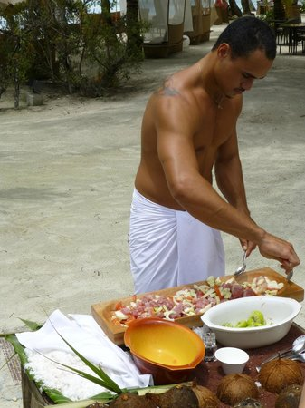 InterContinental Bora Bora Resort & Thalasso Spa: Intercontinental Thalasso Cooking by the Pool