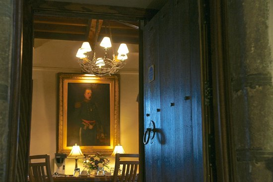 Barcaldine Castle: entrance to dining room