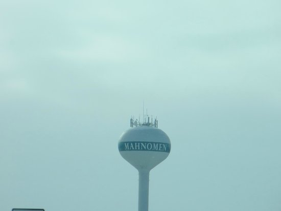 Shooting Star Casino & Hotel : Water tower in the town.