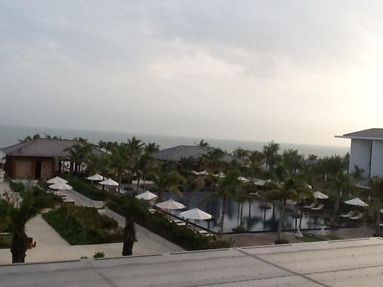 Sunrise Premium Resort Hoi An: view across the pool to the beach