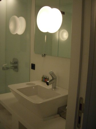 Hotel Zenden: Studio7 Bathroom2