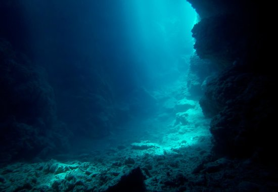 Devil's Point Dive: Cavern