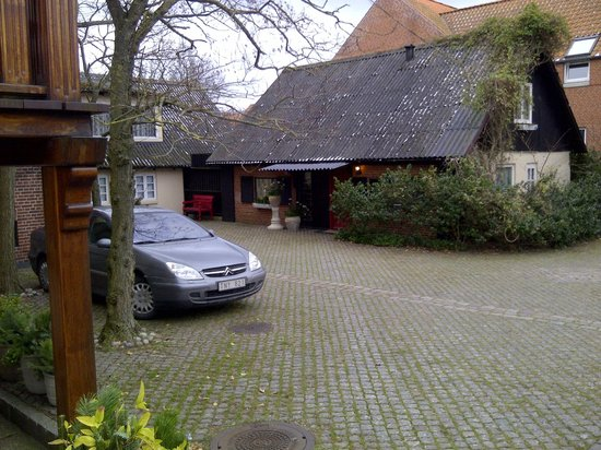 Park Hotel: The proprietor's home in the rear courtyard