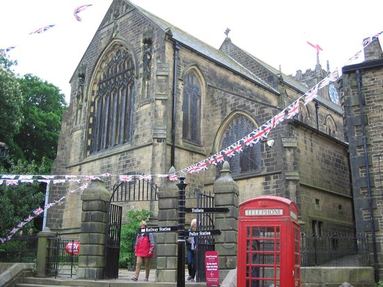 ‪Haworth Parish Church‬