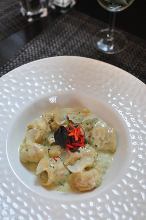 Loondocks Restaurant: Lobster Tortellini