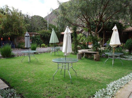 Añañau Restaurante: para sentarse en el jardin