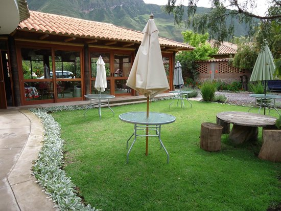 Añañau Restaurante: vista desde el jardin