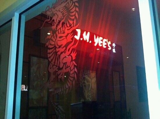 J.H. Yee's Asian Bistro: Good food!