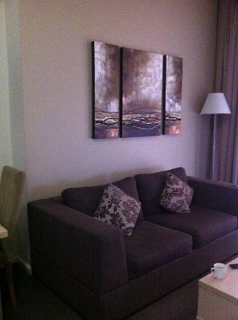 Oaks Goldsbrough Apartments: lounge