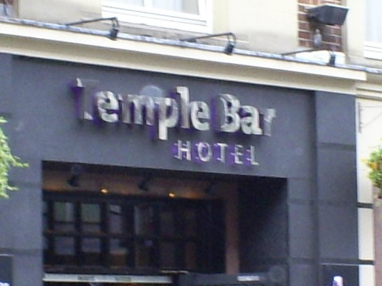 Temple Bar Hotel: Front of Hotel