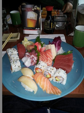 Wasabi Japanese Restaurant and Sushi Bar: Sashimi platter