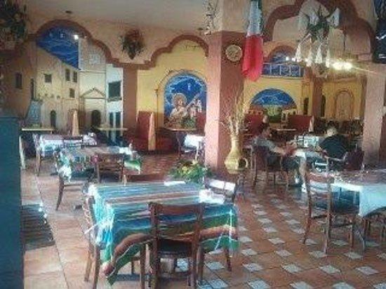Del Carmen: seating
