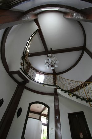 Padre Burgos Castle Resort: Spiral stairs up to room 5