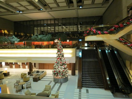 christmas at crown center picture of sheraton kansas. Black Bedroom Furniture Sets. Home Design Ideas