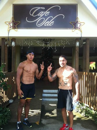 Cafe Sele and Bar: Nigel Ah Wong and Digby Ioane of the Queensland Reds visit Cafe Sele