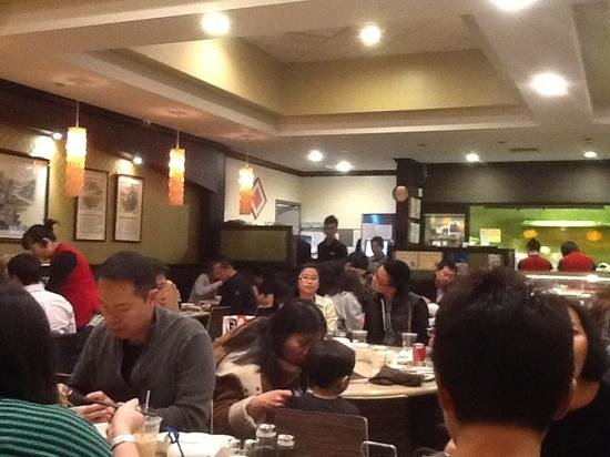 Din Tai Fung Dumpling House: Always packed