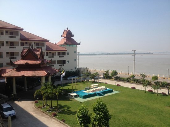 Mawlamyaing Strand Hotel : View from the walkway 2nd floor