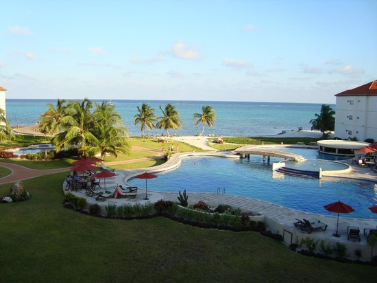 Grand Caribe Belize Resort and Condominiums : view from my room