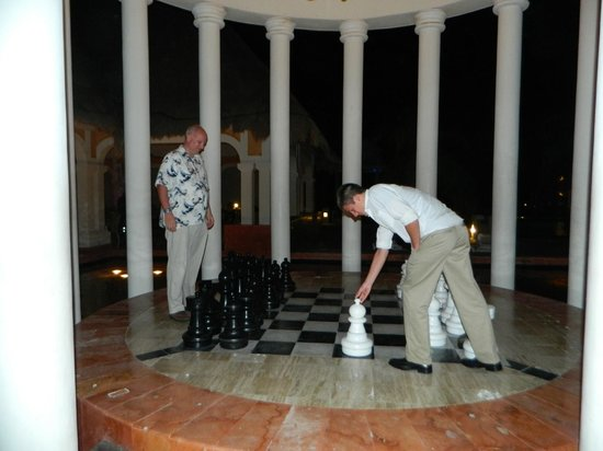 Now Sapphire Riviera Cancun: Chess