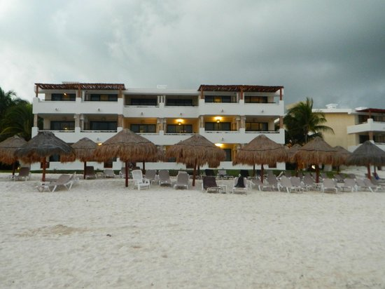 Now Sapphire Riviera Cancun: view of the resort from the ocean