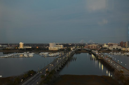 Holiday Inn Charleston Riverview: view from dining area