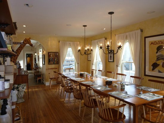 Applewood Inn: Dining Room