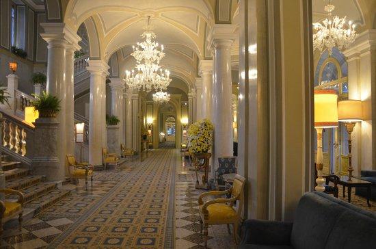Villa d'Este : Lobby and corridors