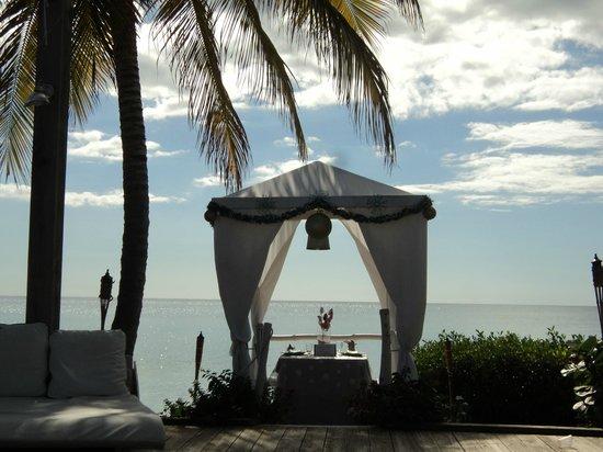 Grand Bahi-a Ocean View Hotel: Excelente para una Cena Romantica.