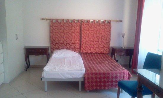โรงแรมเรสซิเดนซ์ โบโลญญา: The basic set up of the room