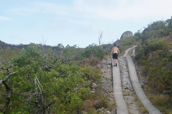 Fitzroy Island Resort: walk to the summit