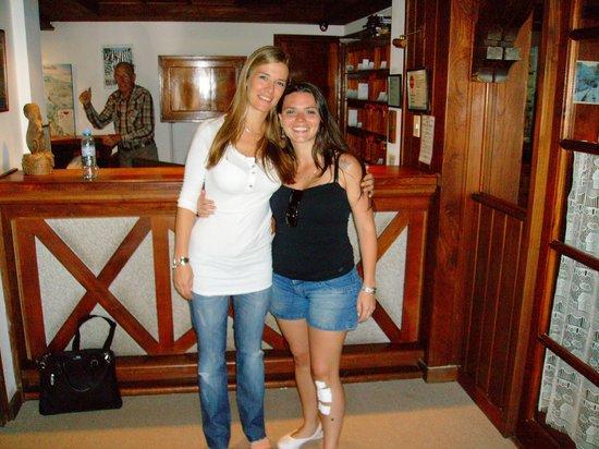 Hotel & Resort La Cumbrecita: Vale la recepcionista