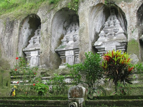 Tampaksiring, Indonesia: Some of the ancient carvings