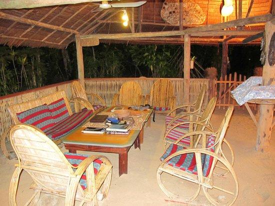 Lissenung Island Resort: The lounge