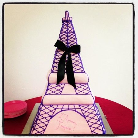 ‪‪Above and Beyond Cupcakes‬: Eiffel Tower