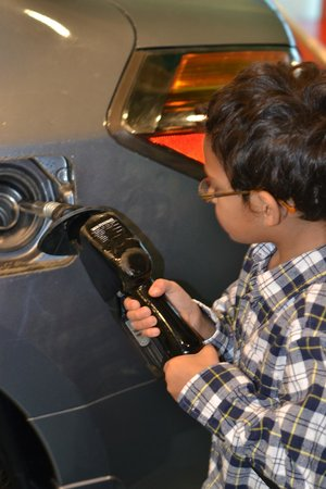 Mississippi Children's Museum: filling up with gas