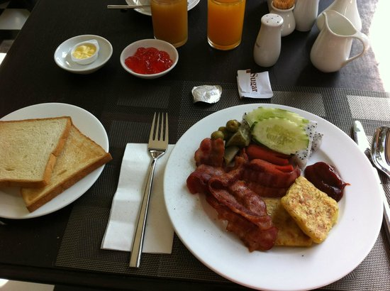 Chateau d'Angkor La Residence: 早餐buffet